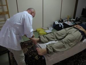 治療する和田